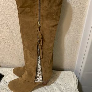 Shoes - NEW Never Worn Tall Suede Boots 10